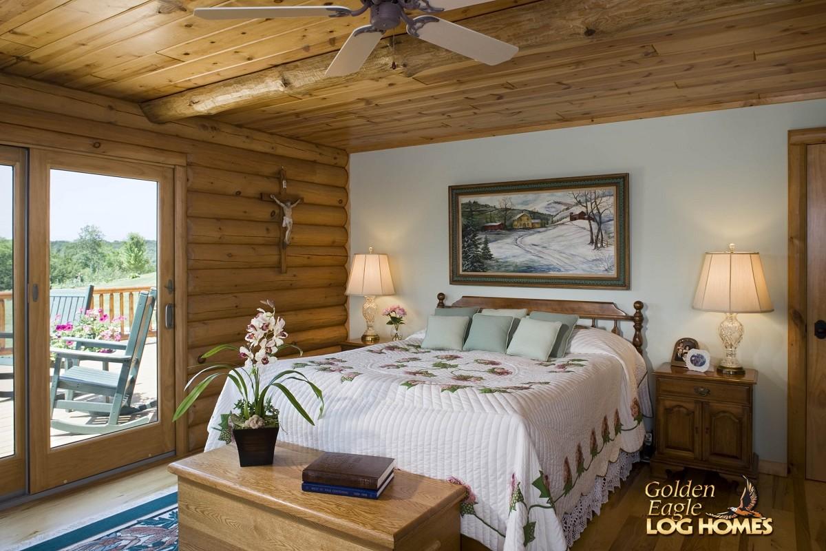 Exterior: Golden Eagle Log And Timber Homes: Log Home / Cabin